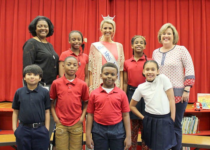 Miss Mississippi with Principal Nicole Menotti and Casey students