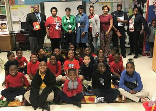 Dr. Murray Joins Clausell's Read Across America Celebration