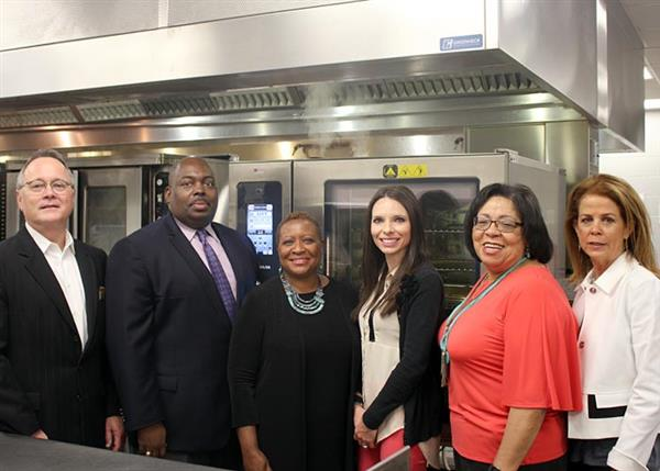 JPS Shares the Benefits of Combi Ovens With Demonstration