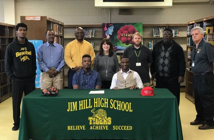 Jim Hill Student Athlete Signs With MS Delta Community College