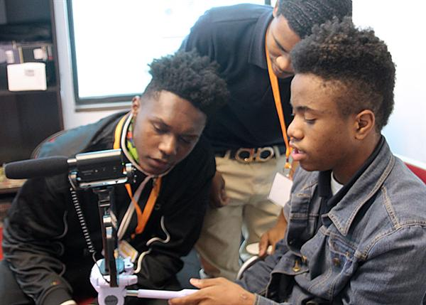 WINGFIELD SCHOLARS EXPRESS THEMSELVES THROUGH MEDIA