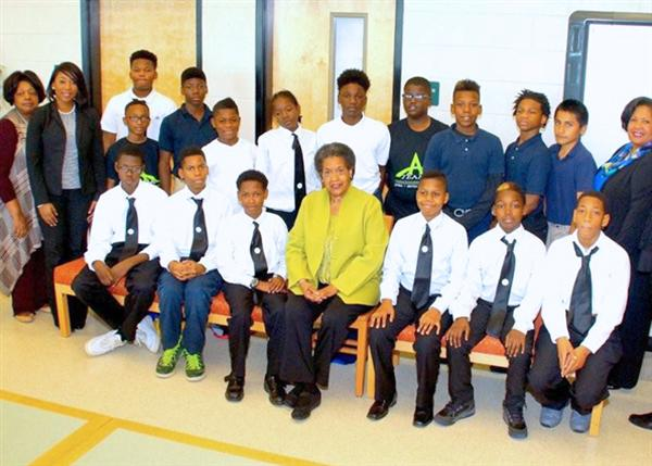 Myrlie Evers, center, with the Ambassadors and mentors of the Blackburn A-TEAAM mentorship program