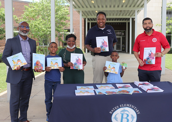 Errick L. Greene, Bates students and staff, Stephan Johnson, and Mayor Chokwe Lumumba
