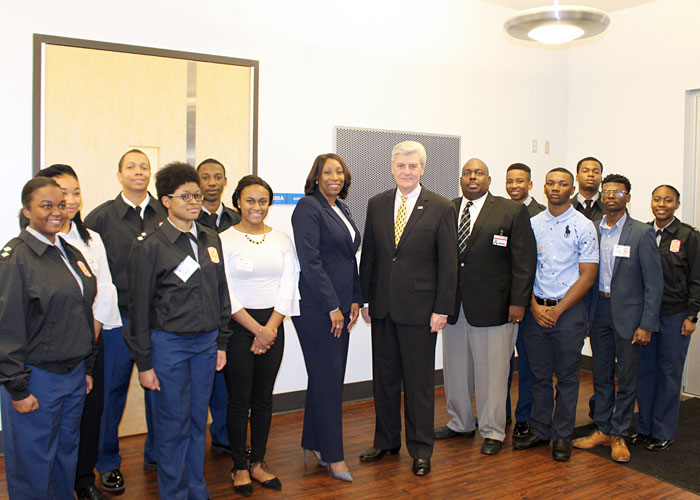 Cadets from JPS JROTC units and speakers