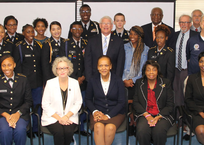Senator Wicker with Jim Hill JROTC cadets, instructors, and district and city officials
