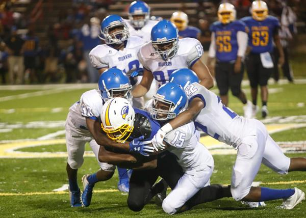 Murrah piles Wingfield ball carrier